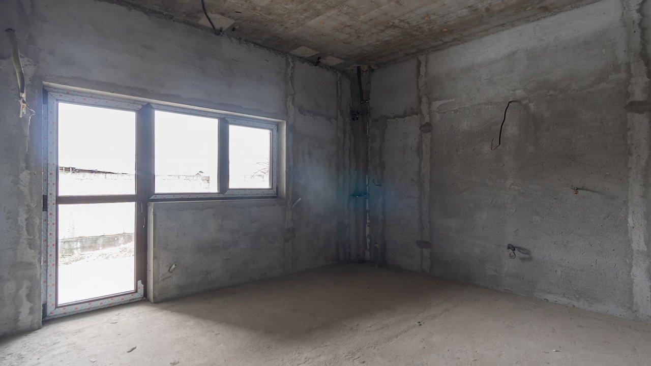 Vila in sistem Duplex, spatioasa si bine compartimentata. 4